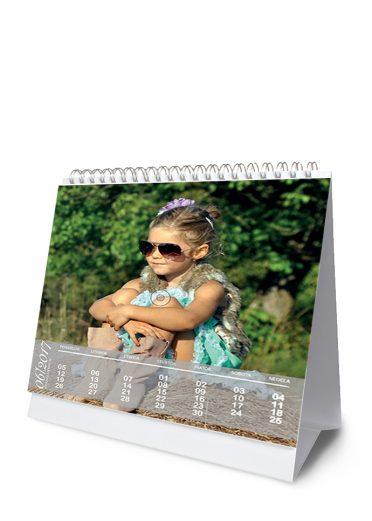Stolový kalendár z vlastných fotiek - šablóna 05